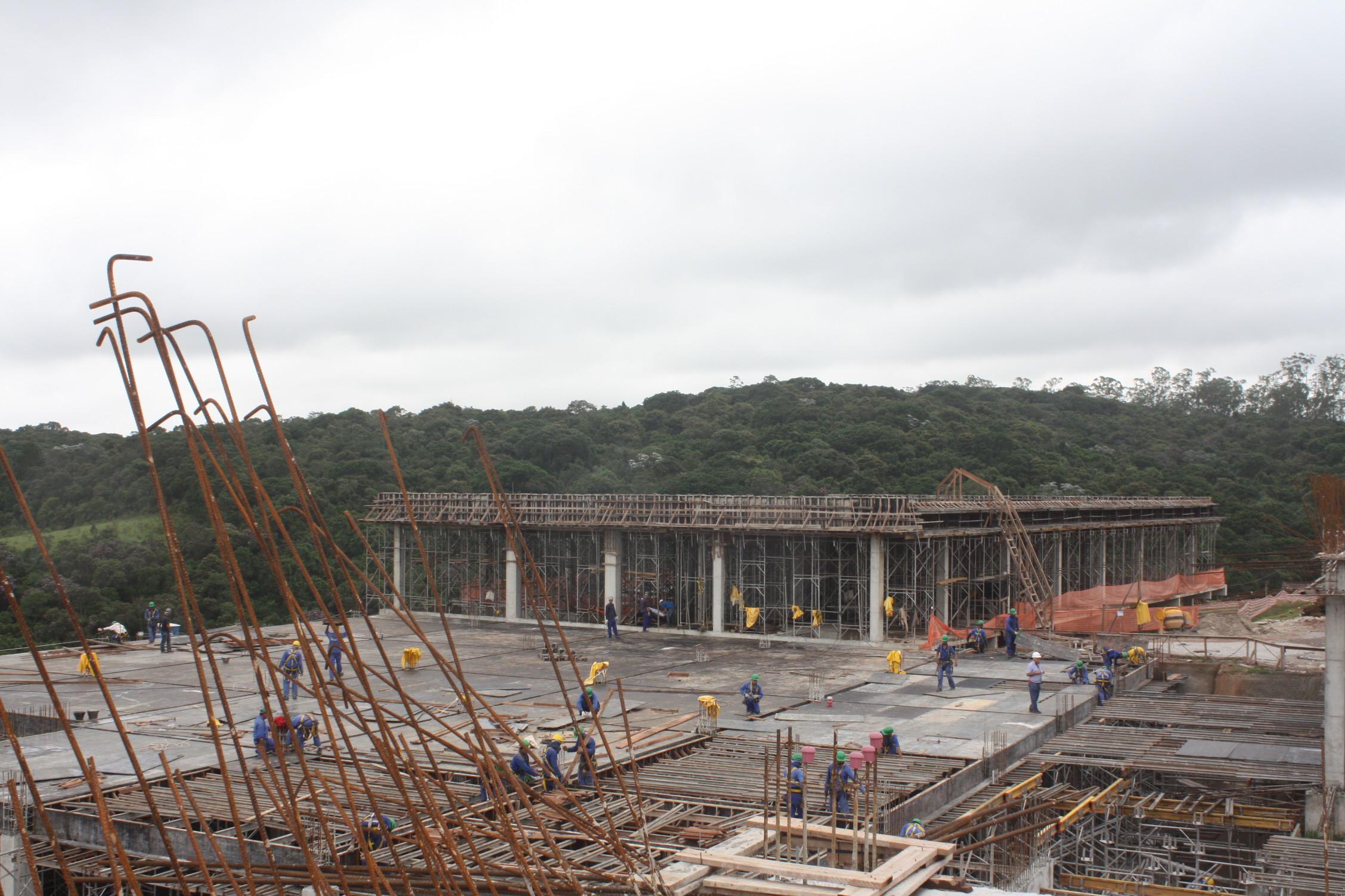 Secretário visita às obras de construção do Hospital Parelheiros acompanhando o prefeito Fernando Haddad