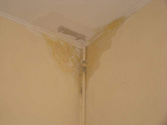 Como evitar infiltrações em paredes e lajes ?