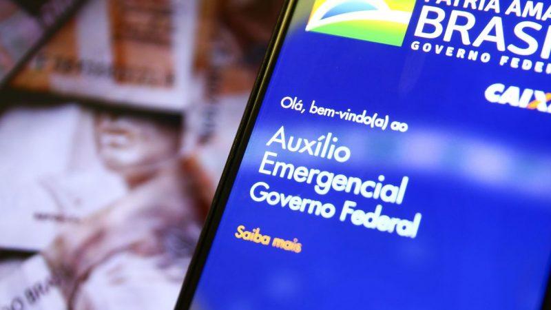 Aprovação do auxílio emergencial em Brasília