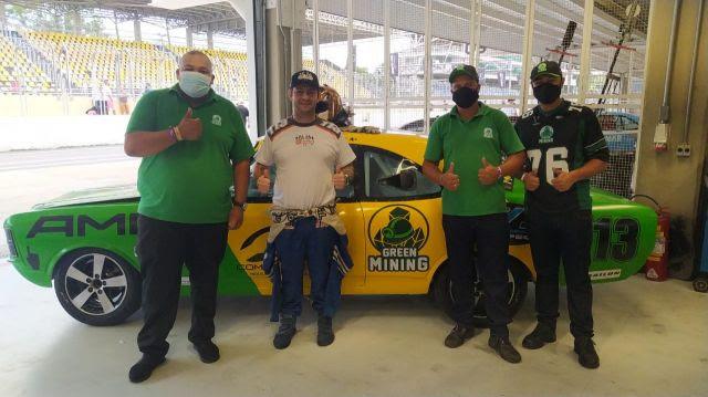 Piloto Rodrigo Helal e startup promovem reciclagem de resíduos em corridas no Autódromo de Interlagos